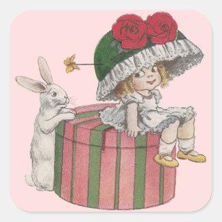 Conejito y chica en el vintage gigante Pascua del Calcomanias Cuadradas