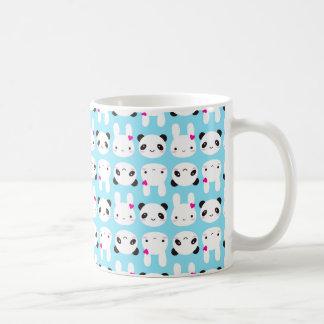 Conejito y panda lindos estupendos de Kawaii Taza