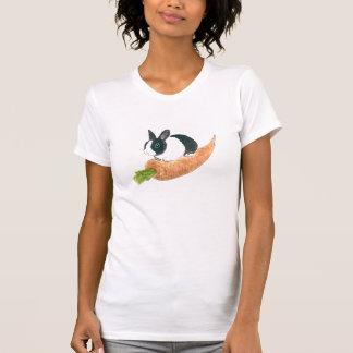 Conejito y zanahoria camisetas