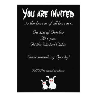 """Conejitos blancos Freaked personalizable con los Invitación 5"""" X 7"""""""