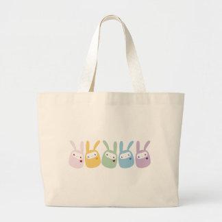 Conejitos coloreados arco iris de la pastilla de g bolsa tela grande