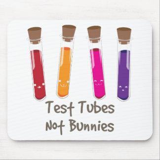 Conejitos de los tubos de ensayo no alfombrilla de ratón