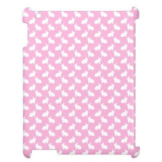 Conejitos de pascua blancos en rosa