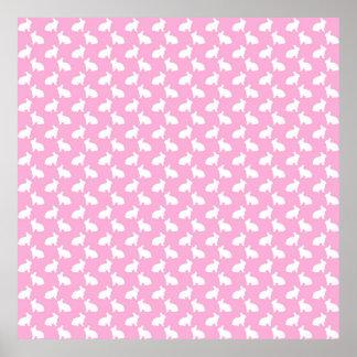 Conejitos de pascua blancos en rosa póster