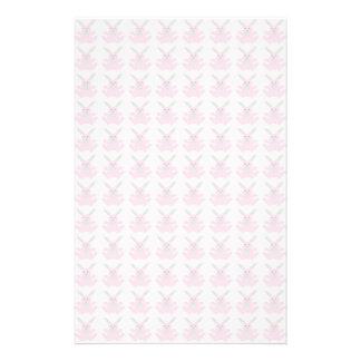 Conejitos de pascua rosados divertidos papeleria de diseño