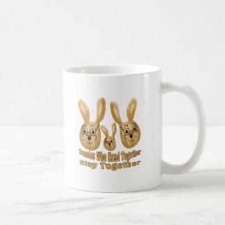 Conejitos elegantes taza clásica