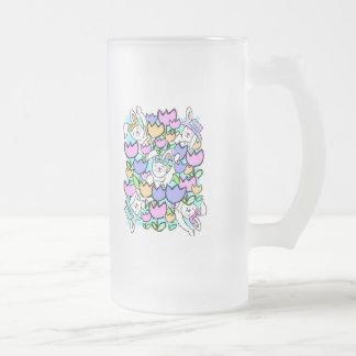 Conejitos y tulipanes de pascua taza cristal mate