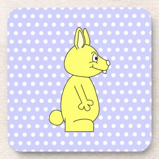 Conejo amarillo en modelo de punto púrpura posavasos de bebidas
