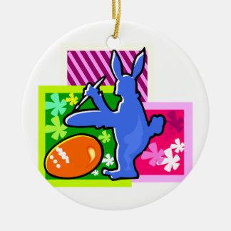 conejo azul pascua egg.png de la sombra de la adorno redondo de cerámica