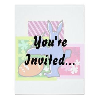 """conejo azul pascua egg.png de la sombra de la invitación 4.25"""" x 5.5"""""""
