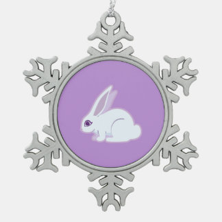 Conejo blanco con arte largo de los oídos adorno de peltre en forma de copo de nieve