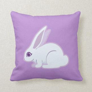 Conejo blanco con arte largo de los oídos cojin