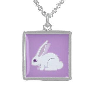 Conejo blanco con arte largo de los oídos colgante personalizado