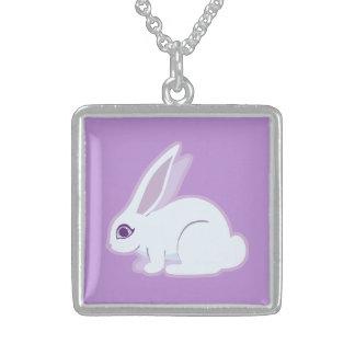 Conejo blanco con arte largo de los oídos joyeria personalizada