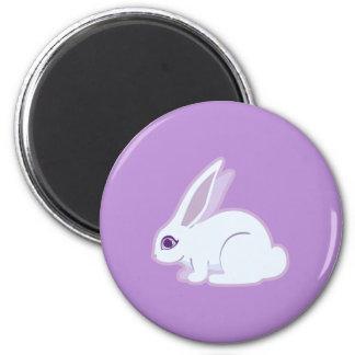 Conejo blanco con arte largo de los oídos imán redondo 5 cm