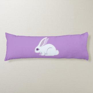 Conejo blanco con arte largo de los oídos almohada larga