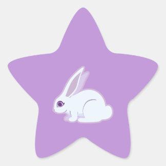 Conejo blanco con arte largo de los oídos pegatina en forma de estrella