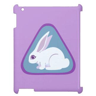 Conejo blanco con arte largo del triángulo de los