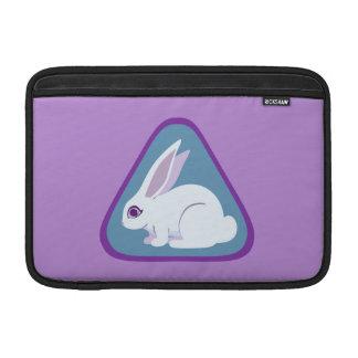 Conejo blanco con arte largo del triángulo de los funda para macbook air
