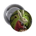 Conejo blanco del vampiro pin