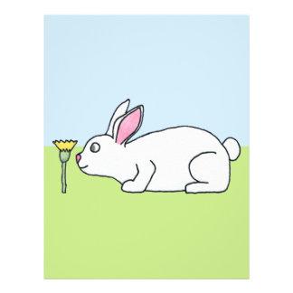 Conejo blanco En un césped Flyer A Todo Color