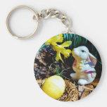 Conejo blanco, huevo de Pascua amarillo Llaveros Personalizados