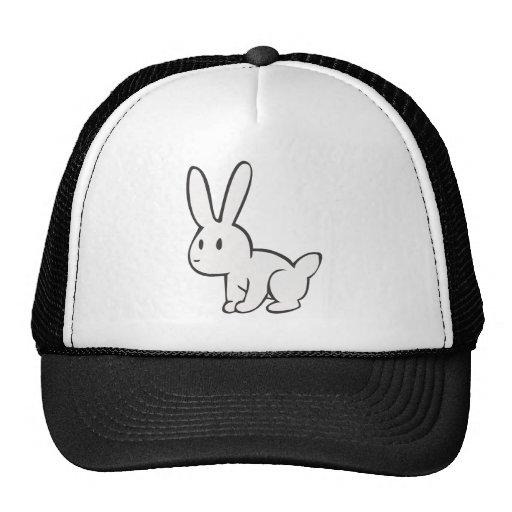 Conejo blanco joven y lindo gorras