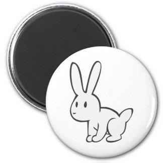 Conejo blanco joven y lindo imán para frigorífico