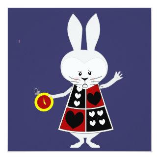 Conejo blanco - las aventuras de Alicia en el país Comunicado