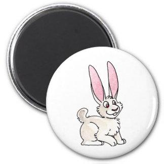 Conejo blanco que se sienta imán de nevera