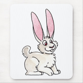 Conejo blanco que se sienta alfombrillas de raton
