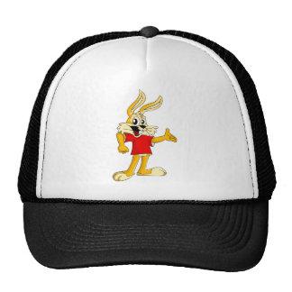 Conejo coloreado color rojizo feliz del dibujo gorras de camionero