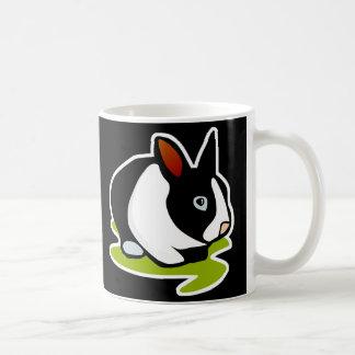 conejo de conejito blanco y negro taza clásica