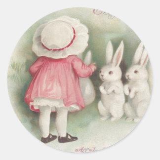 Conejo de conejito de pascua de la niña pegatina redonda