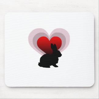 Conejo de conejito del amor - adaptable alfombrilla de raton