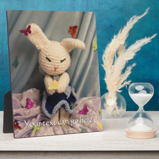 Conejo de conejito lindo de Amigurumi Placa
