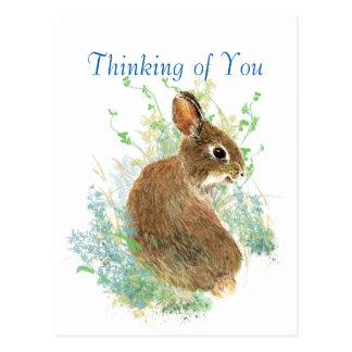 Conejo de conejito lindo de la acuarela que piensa tarjeta postal