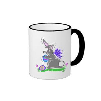 Conejo de conejito lindo de pascua taza a dos colores
