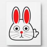 Conejo de conejito lindo del dibujo animado placa de madera