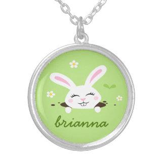 Conejo de conejito lindo que mira a escondidas nom joyeria personalizada