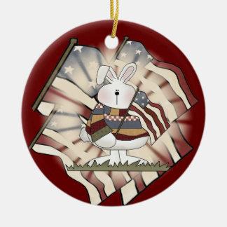 Conejo de conejito patriótico ornamento para arbol de navidad