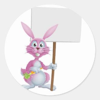 Conejo de conejito rosado con la zanahoria y la mu etiquetas redondas