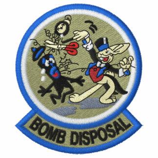 Conejo de la disposición de bomba polo bordado