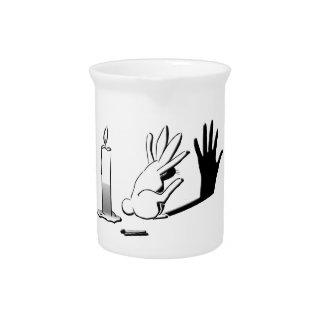 Conejo de la sombra por Lightillusions.com Jarras De Beber