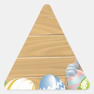 Conejo de madera del blanco de Pascua de la muestr Calcomanías De Trianguladas