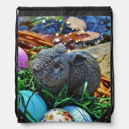 Conejo de Pascua y cesta de la pelota de golf Mochilas