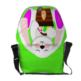 Conejo de Pascua y una cesta de huevos Bolsa De Mensajería