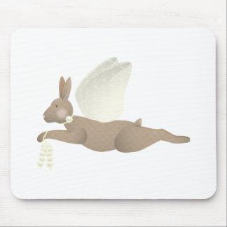 Conejo del ángel de Brown con las alas amarillas Alfombrilla De Ratón