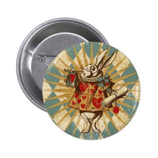 Conejo del blanco de Alicia del vintage Pin Redondo De 2 Pulgadas