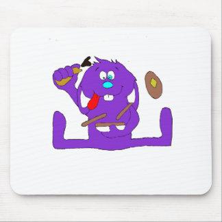 Conejo del dibujo animado con las crepes alfombrilla de ratones